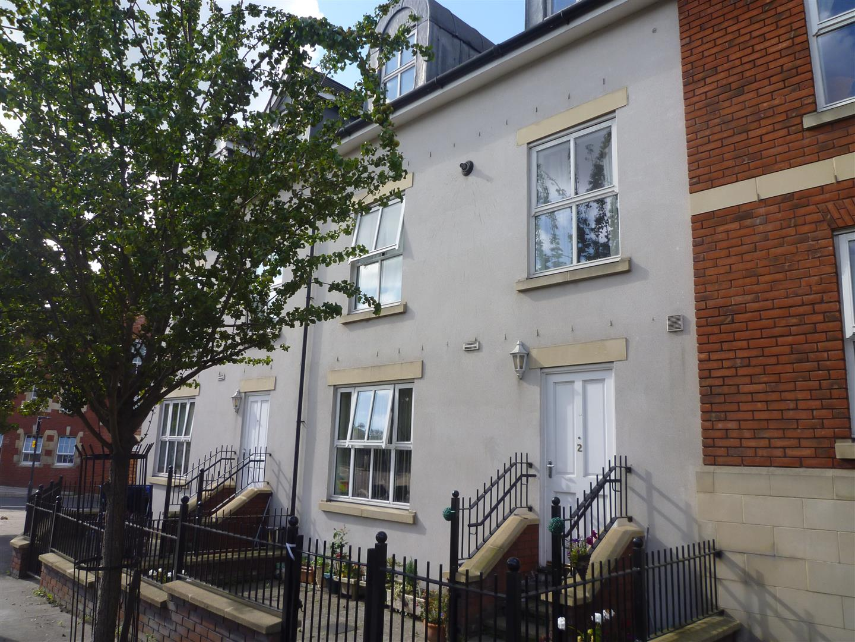 2 Bedrooms Flat for sale in TROWBRIDGE